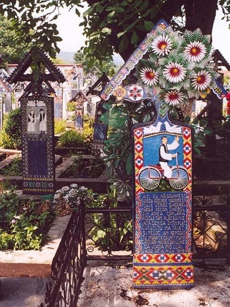 Săpânța. Jest wesoło na wiejskim cmentarzu