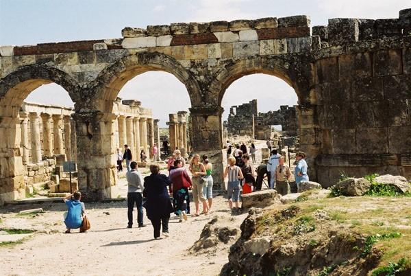 Hierapolis. Antyczna nekropolia wokół uzdrowiska