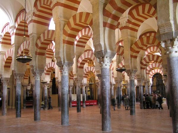 Kordoba. Jak meczet Maurów stał się katedrą