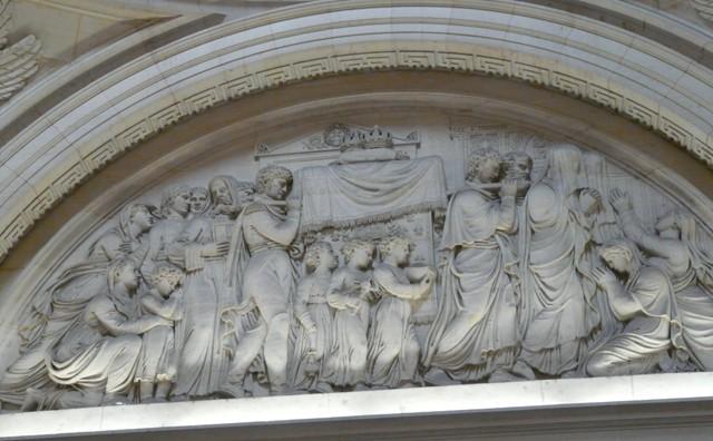 Paryż. Pomnik pamięci ściętego króla