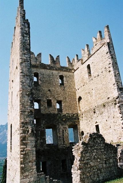 Jezioro Garda. Miasteczka i warownie nad wodą