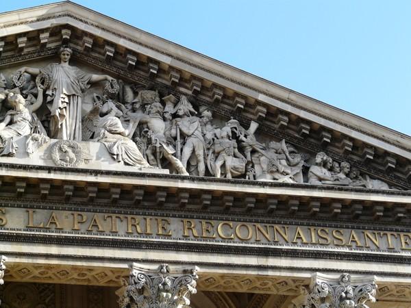 Paryż. Z przewodnikiem wśród bohaterów
