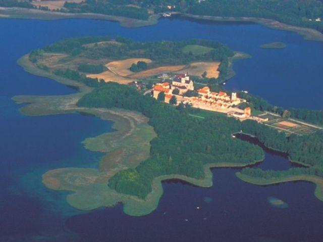 Wigry Klasztor nad wodą