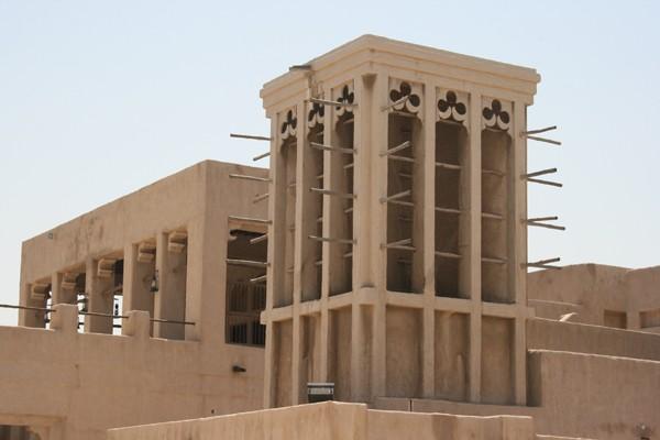 Dubaj. Metropolia w budowie