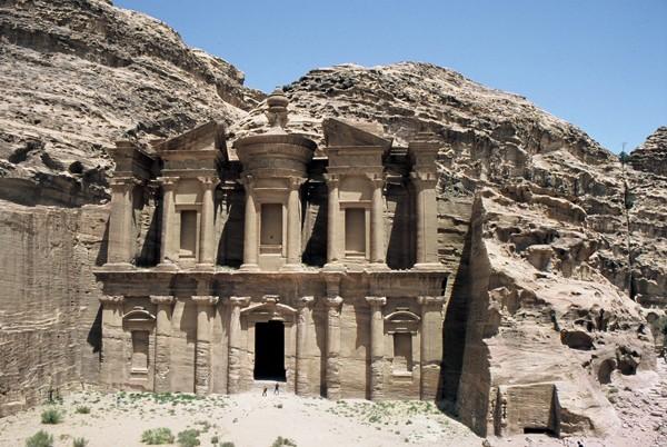Petra Różowe skalne miasto