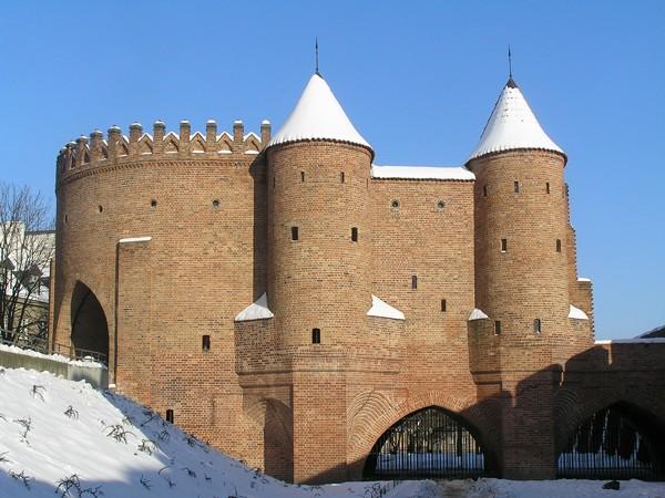 Warszawa. Czarne kreski na murach