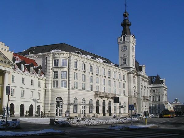 Warszawa Atrapa prawdziwego ratusza