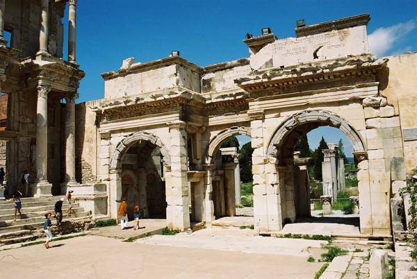 Efez. Najlepsze gruzy starożytnej Grecji