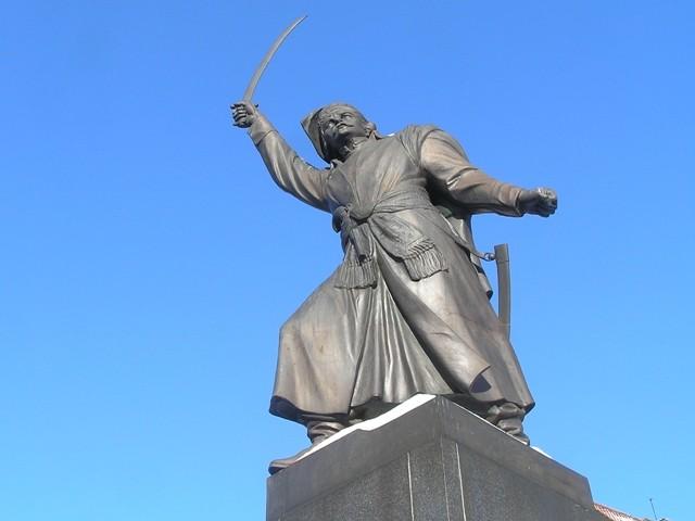 Warszawa Komu szablą grozi szewc?