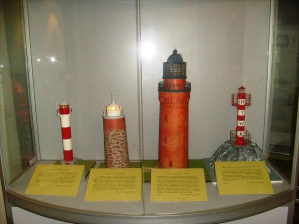 Rozewie Dwie latarnie na klifie