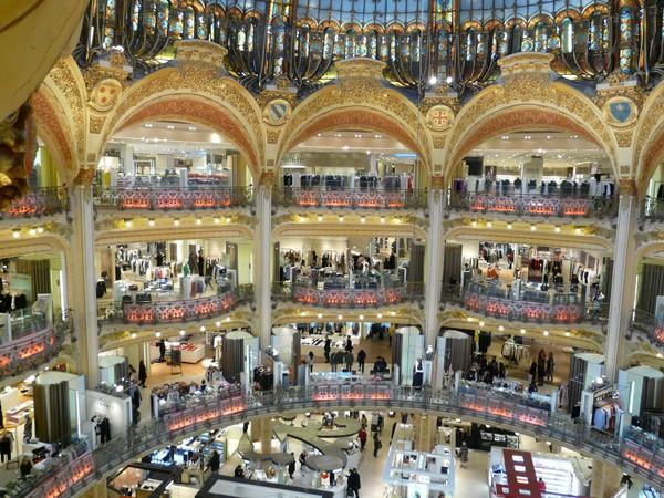 Paryż Galéries Lafayette – katedra luksusu