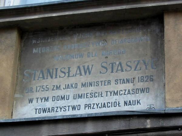 Warszawa. Duchy unoszą się nad Kanonią