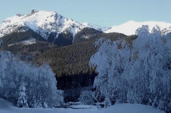 Dolina Białej Wody Zimą dojdziemy tylko do… szlabanu