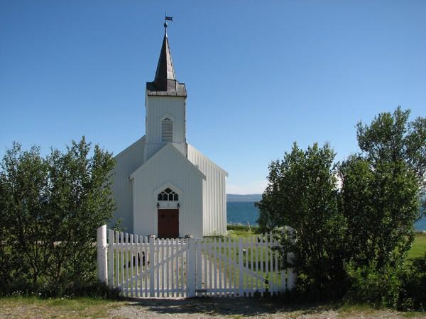 Fiord Porsangen. Jak znaleźć kościół katolicki w Norwegii?