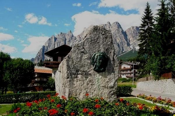 Dolomity Niezwykła nazwa niezwykłych gór