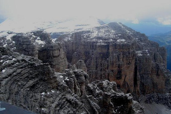 Dolomity. Niezwykła nazwa niezwykłych gór