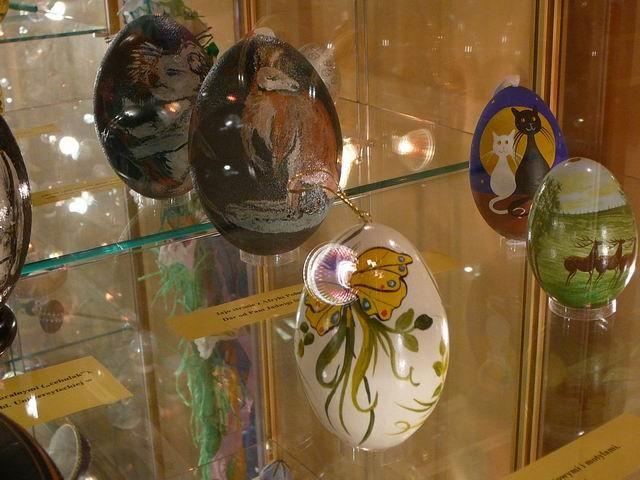 Ciechanowiec. Jaja w muzeum pisanki