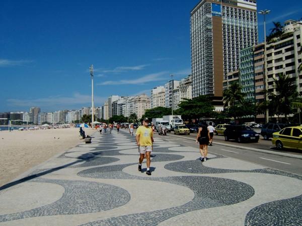 Rio de Janeiro. Piąta potęga żyje na plaży