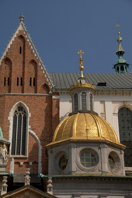 Kraków. Kto spoczywa w kryptach Wawelu