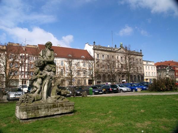 Szczecin. Pomnik Flory na Placu Orła Białego