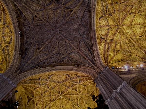 Sewilla. Katedra na gruzach meczetu