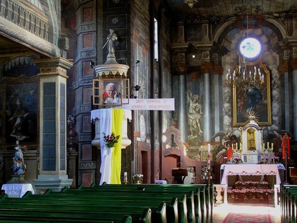 Mariańskie Porzecze. Sanktuarium w lesie nad Wisłą