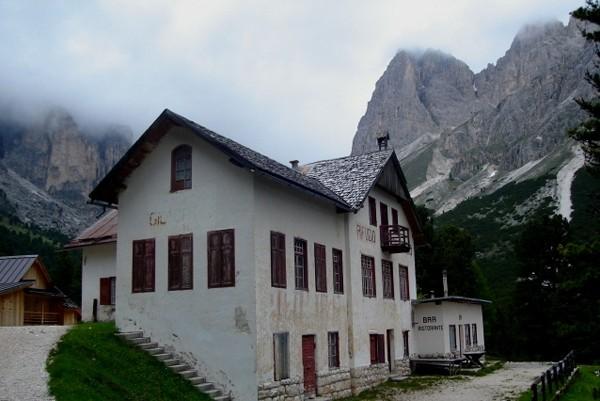 Val Vajolet. Z doliny na halę Gardeccia