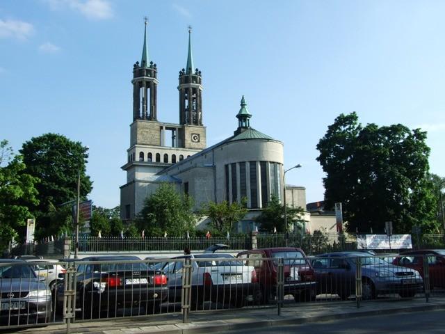 Warszawa. U grobu księdza Popiełuszki
