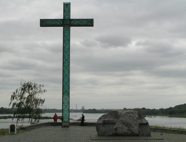 Włocławek Krzyż przy zaporze