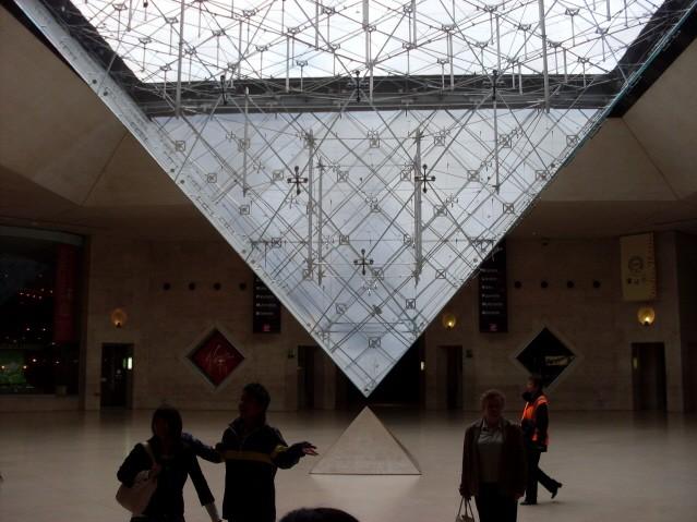 Paryż W labiryntach Luwru