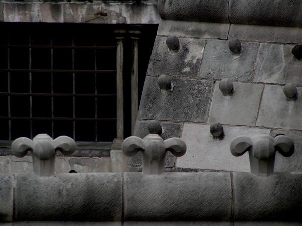 Barcelona. Co robią gęsi w katedrze