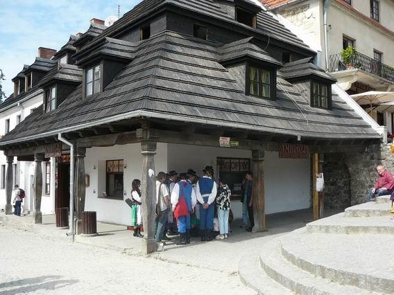 Kazimierz Dolny. Ludowo na miejskim rynku