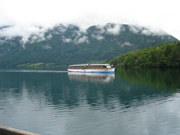 Ribčev Laz. Na brzegu Bohinjskiego jeziora