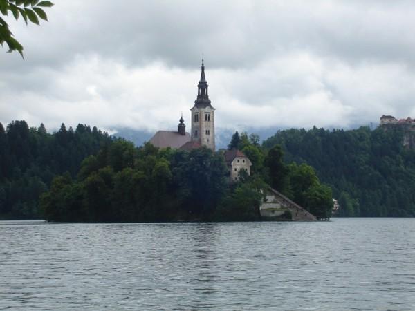 Bled. Jezioro z wyspą pośrodku