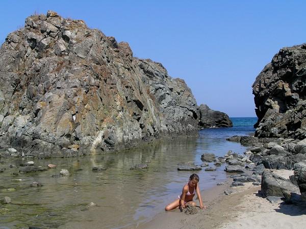 Sinemorec Piekne plaże wśród skał