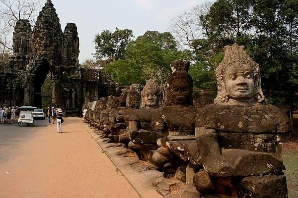 Angkor Miasto zaginione w dżungli