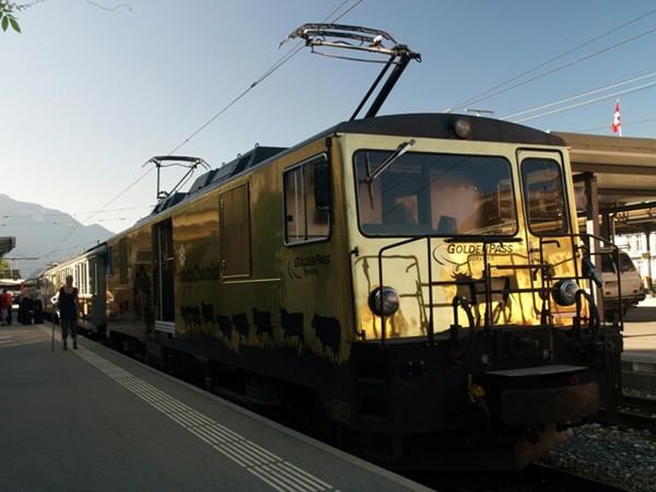 Montreux. Czekoladowy pociąg przez krainę sera
