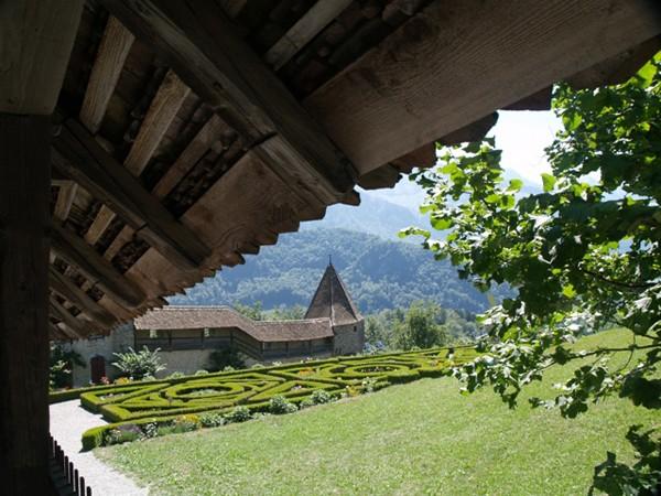 Gruy?re. Zamek z żurawiem w herbie