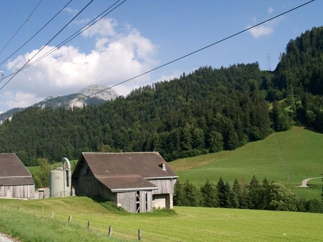 Berneński Oberland. Alpejskie krajobrazy z okien pociągu