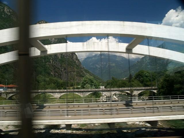 Przełęcz św. Gotharda. Ekspresem przez tunele i mosty
