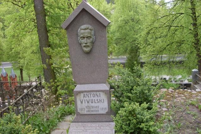 Wilno. Narodowa nekropolia na Rossie