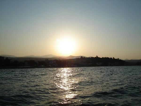 Skiatos. Rejs na plażę Kukunaris