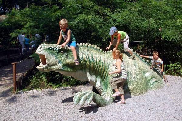 Zator W świecie dinozaurów