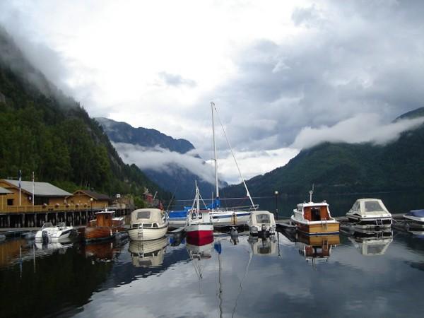 Dalen Małe miasteczko nad jeziorem