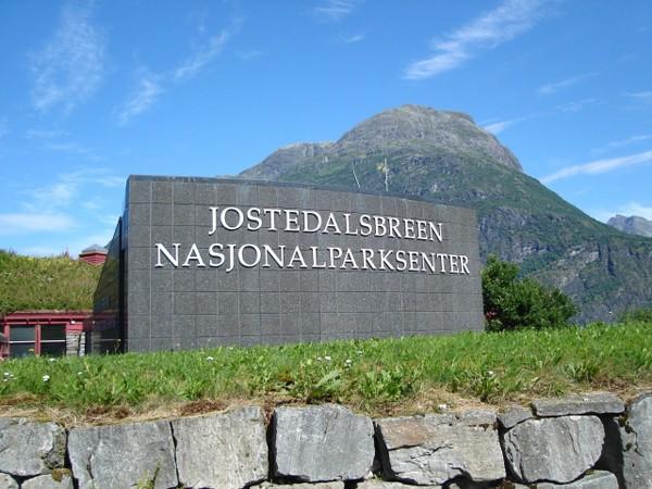 Jostedal. Po drogach parku narodowego