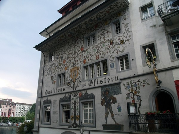 Lucerna. Szwajcarski ład na starówce