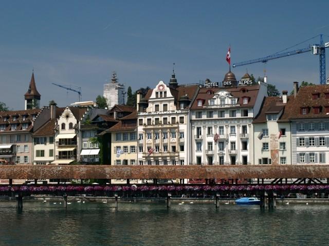 Lucerna. Koronki wokół Kapellbrücke