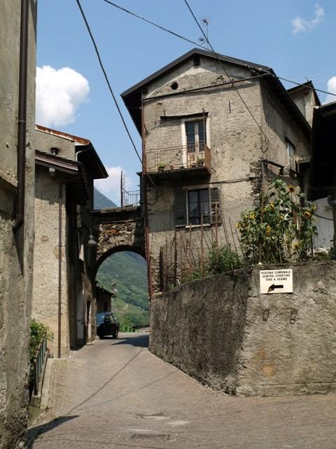 Tirano. Nostalgiczny urok autentyczności
