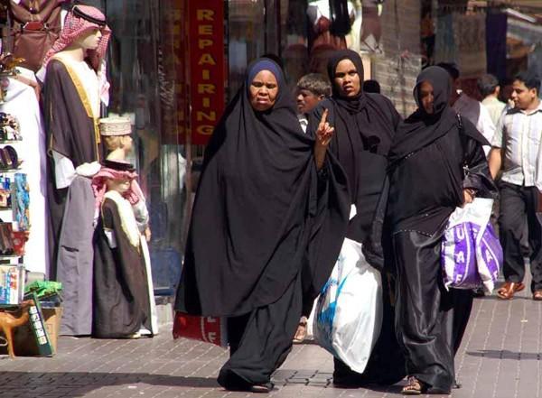 Zjednoczone Emiraty Arabskie. Czymże jest związek siedmiu krajów?