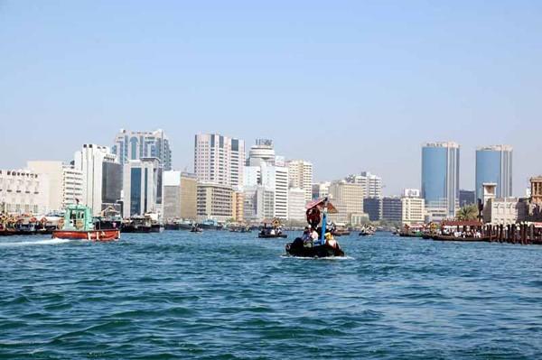 Dubaj. Nowoczesność bez makijażu
